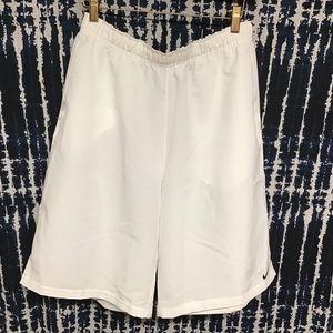 GUC Nike white gym shorts sz XL